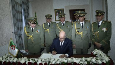 صورة الرئيس تبون ينهي مهام عدة ألوية في الجيش
