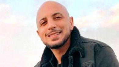 صورة وزير الاتصال يعزي في وفاة الصحفي أنيس شلوش
