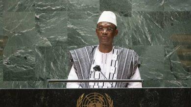 صورة رئيس وزراء مالي يتهم فرنسا بتدريب جماعات إرهابية في بلاده